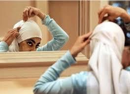 2 Kesalahan Wanita Ketika Memakai Jilbab atau Hijab Menurut Islam