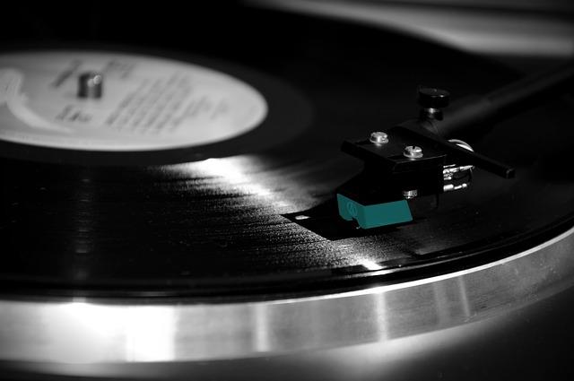 5 Lagu Populer yang Menjadi Soundtrack Film Indonesia
